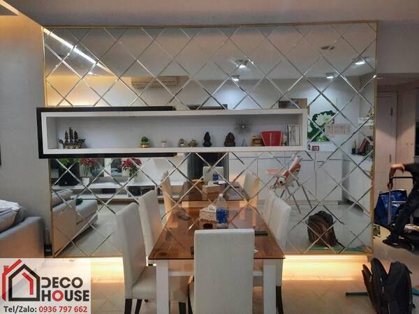 Gương ghép dán tường trang trí phòng ăn